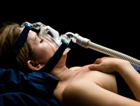 SC-Sleep-CPAP-Machine-Woman