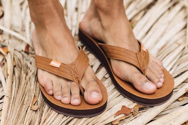 mens comfortable flip flops