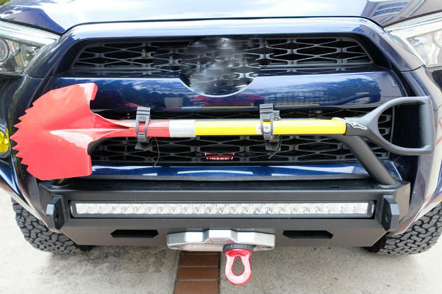 nissan d40 aftermarket recovery kit