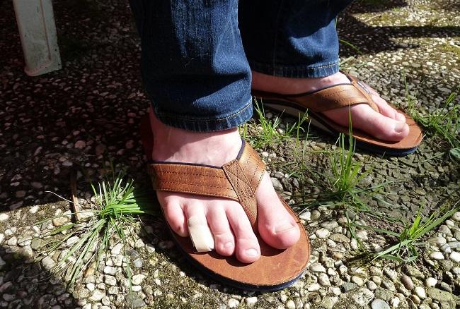 uncomfortable flip flops problems