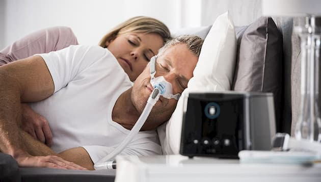 Resting-with-SleepStyle-auto-CPAP