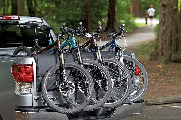 6 bikes with a tailgate bike rack