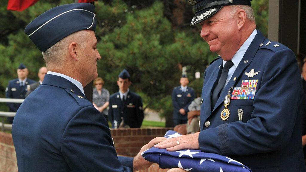 uniform regulations military veterans